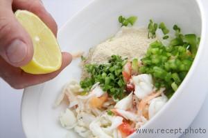 Рулет из рыбы с крабом рецепт