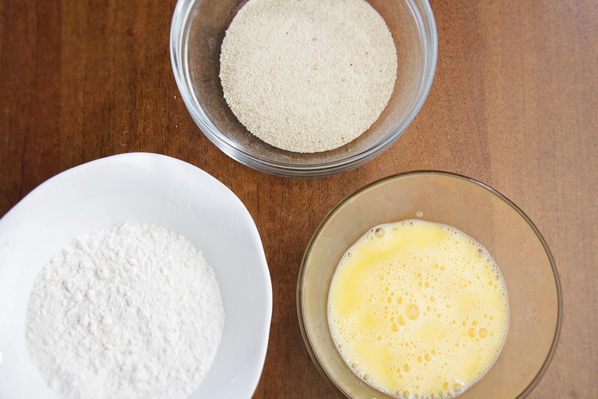 Мука, яйцо, панировочные сухари