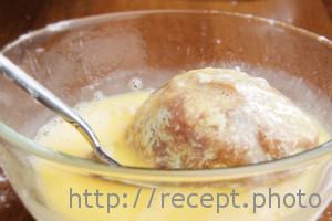 Яйцо по-шотландски обмакнуть в яйце